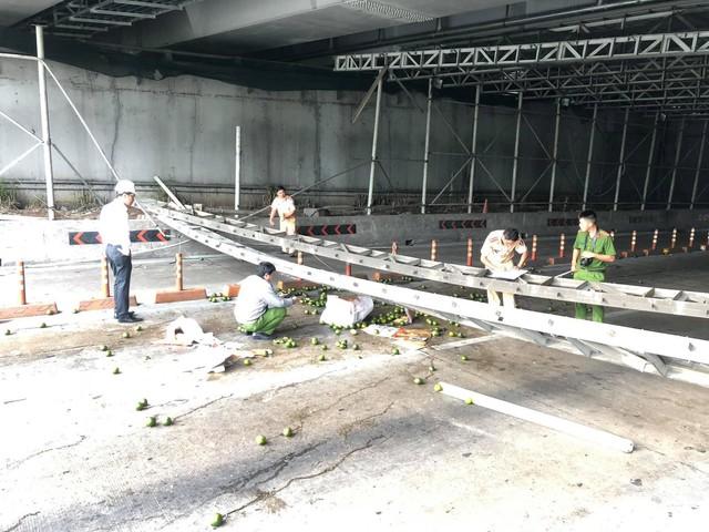 Hiện trường về vụ sập giàn giáo gần nóc hầm Thủ Thiêm, thông tin mới từ Sở Giao thông Vận tải TP.HCM - Ảnh 6.