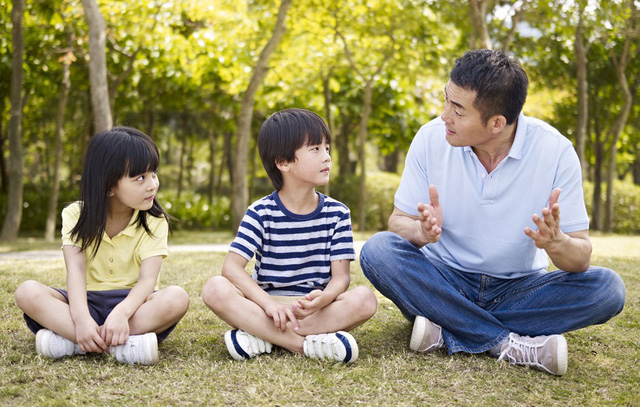 Giàu có và thành công đến mấy mà để con cái hư hỏng thì cũng chẳng thể hạnh phúc, hãy ghi nhớ những cách dạy và kỷ luật con nhỏ đúng độ tuổi để không hối hận về sau - Ảnh 2.