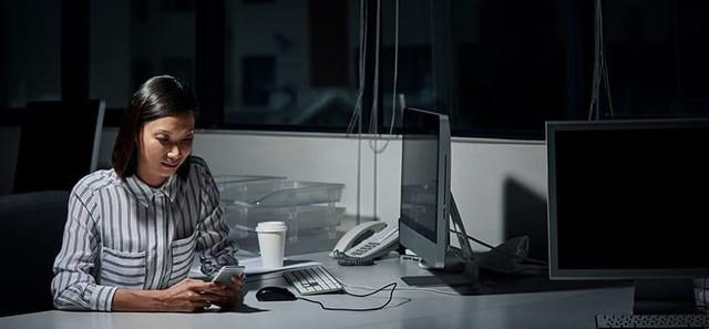 Chất lượng ánh sáng tại nơi làm việc - yếu tố nhỏ ảnh hưởng không ngờ đến cả thị lực và hiệu quả làm việc của bạn: Dân văn phòng cần biết để tự điều chỉnh - Ảnh 1.