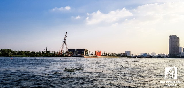 Cận cảnh dự án cầu 4.260 tỷ đồng đang thi công bắc qua sông Sài Gòn nối Quận 1 có Quận 2 - Ảnh 2.
