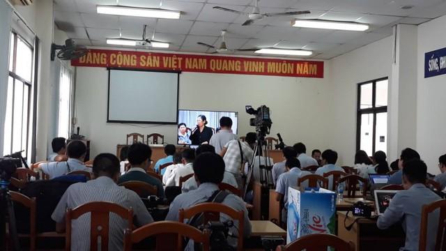 Chủ tịch UBND TP.HCM đối thoại có người dân Thủ Thiêm - Ảnh 1.
