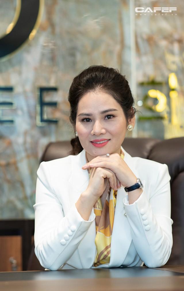 Doanh nhân Hà Bùi: Từ cô công nhân nhặt chỉ đến CEO thời trang Sohee - Ảnh 7.