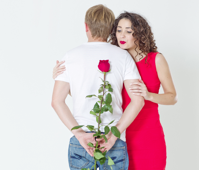 Ngày 20/10: Đừng chỉ màu mè, là đàn ông hãy thực sự thấu hiểu điều mà người phụ nữ của mình muốn - Ảnh 1.