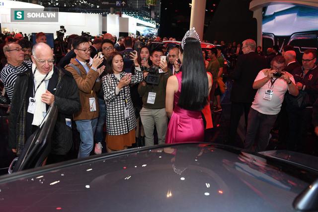 Nhìn loạt ảnh để thấy xe VinFast được truyền thông thế giới quan tâm đến mức nào - Ảnh 2.