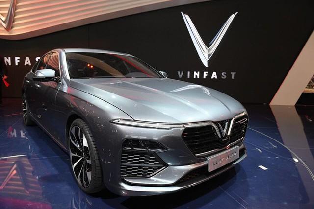 Dự đoán giá xe VinFast sau màn ra mắt ấn tượng ở Paris: Quá đẹp để bán dưới tiền tỷ! - Ảnh 1.