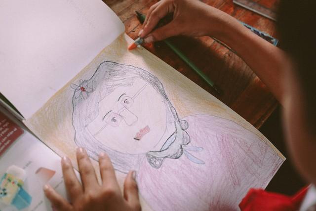 Bộ ảnh xúc động về cậu bé mồ côi ở Quảng Nam tự lập từ năm 12 tuổi, nuôi lợn để được đến trường - Ảnh 5.