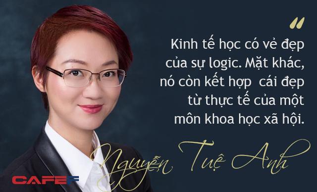 Nguyễn Tuệ Anh: Nữ Tiến sĩ Oxford  phổ biến kinh tế học bằng sách - Ảnh 1.