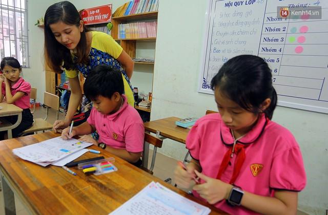 Gặp 18 cô giáo Quảng Trị viết chữ đẹp như vẽ tranh vừa gây sốt MXH: Học sinh trong trường chữ cũng siêu đẹp - Ảnh 11.