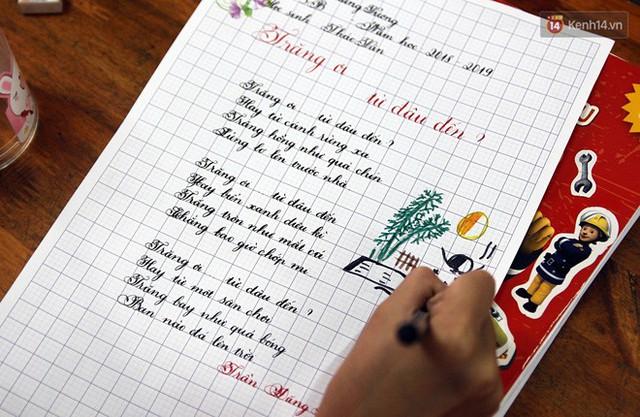 Gặp 18 cô giáo Quảng Trị viết chữ đẹp như vẽ tranh vừa gây sốt MXH: Học sinh trong trường chữ cũng siêu đẹp - Ảnh 15.