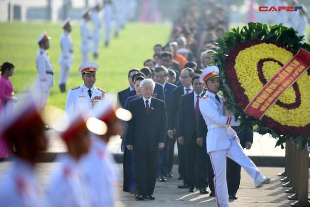 Những hình ảnh ấn tượng phiên khai mạc kỳ họp thứ 6 Quốc hội khoá XIV - Ảnh 4.
