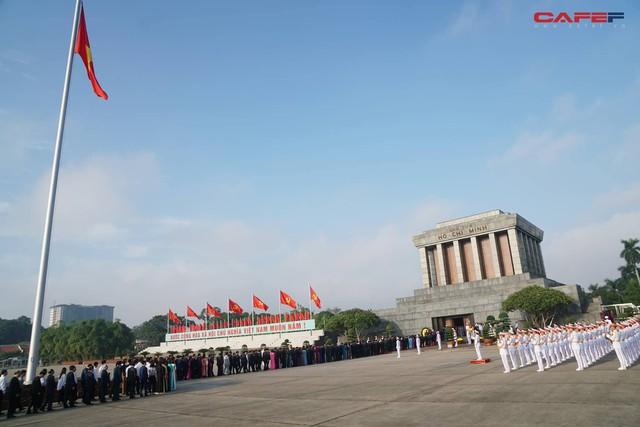 Những hình ảnh ấn tượng phiên khai mạc kỳ họp thứ 6 Quốc hội khoá XIV - Ảnh 1.