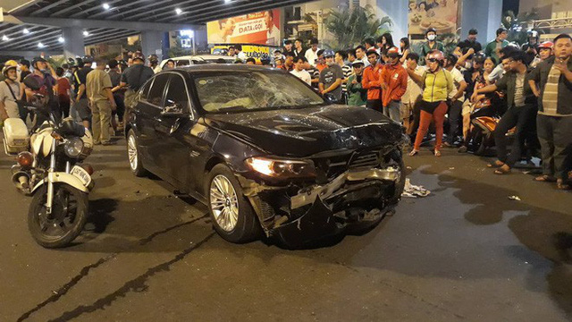 Tông hàng loạt xe máy khiến nhiều người thương vong, nữ tài xế BMW bình thản nói mọi chuyện cứ để em lo - Ảnh 2.