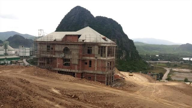 Cận cảnh villa khủng xây trái phép của Công ty xi măng Công Thanh - Ảnh 9.