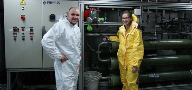 Cuộc sống đảo lộn ở Nam Cực: Vi khuẩn cũng chết cóng, cư dân không được đi tiểu trong lúc tắm - Ảnh 5.
