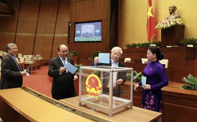 Tiểu sử ông Nguyễn Mạnh Hùng, tân Bộ trưởng Bộ Thông tin và Truyền thông - Ảnh 1.