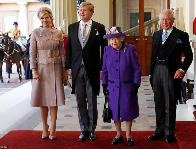 Bà Camilla lần đầu tái xuất bên chồng sau tin đồn ly hôn nhưng vẻ mặt của Thái tử Charles đã nói lên tất cả - Ảnh 1.