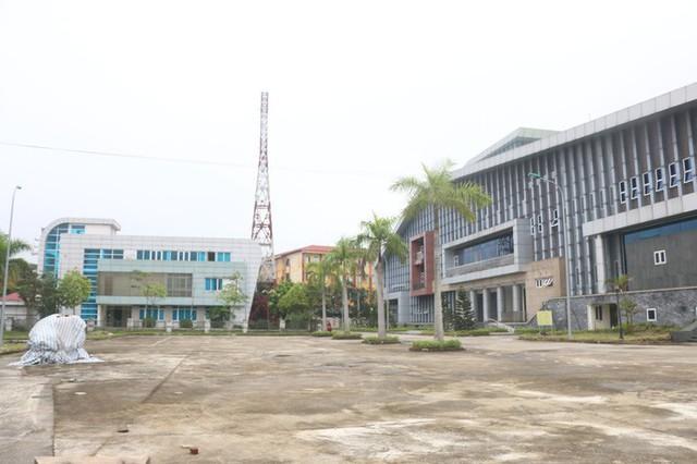 Cận cảnh nội khu nhà hát 117 tỉ đồng đắp chiếu ở Hà Nội - Ảnh 18.