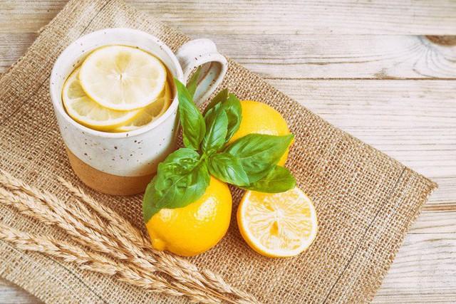 Lúc nào uống nước lạnh, lúc nào uống nước ấm: Biết để uống cho đúng, không hại sức khoẻ - Ảnh 3.