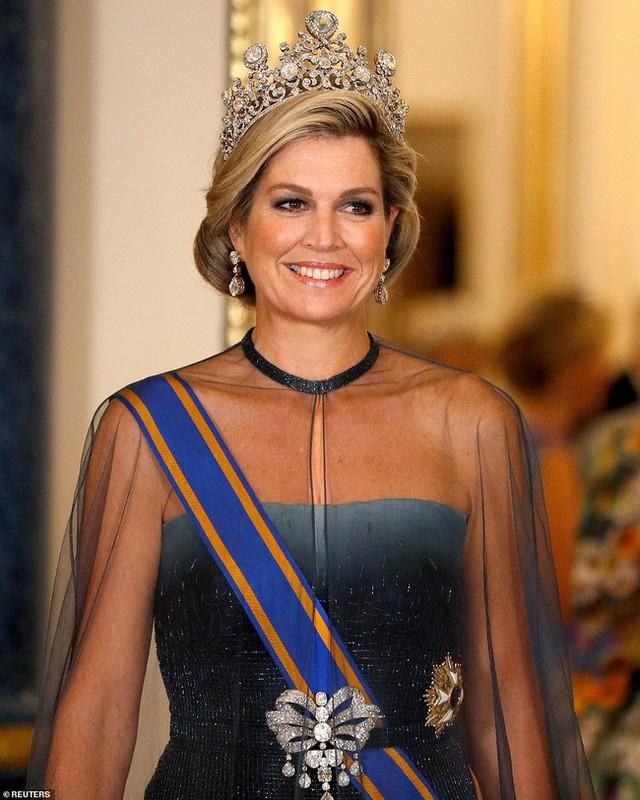 Bà Camilla lần đầu tái xuất bên chồng sau tin đồn ly hôn nhưng vẻ mặt của Thái tử Charles đã nói lên tất cả - Ảnh 3.