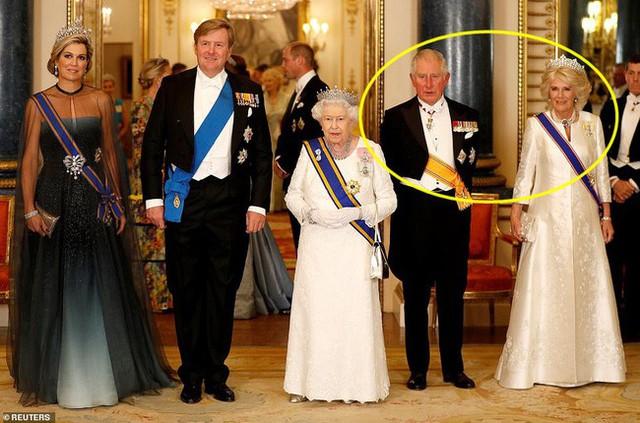 Bà Camilla lần đầu tái xuất bên chồng sau tin đồn ly hôn nhưng vẻ mặt của Thái tử Charles đã nói lên tất cả - Ảnh 5.