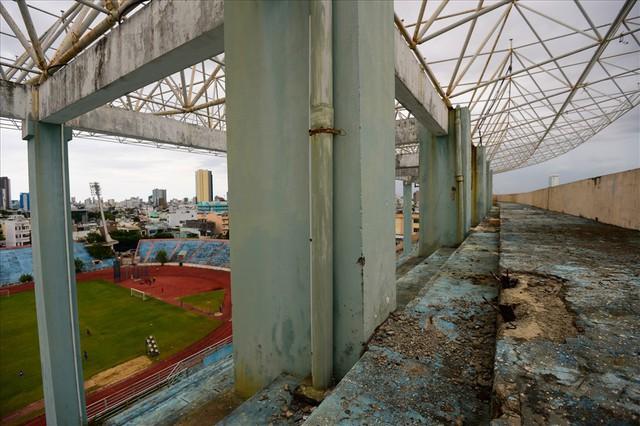 Sân vận động Chi Lăng hoang tàn sau gần 8 năm bán cho doanh nghiệp - Ảnh 4.