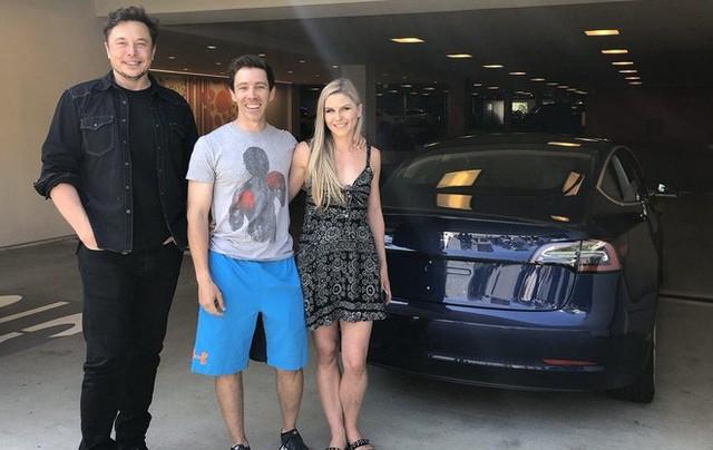 Cứ nói Elon Musk mất trí, điên rồ đi, ông vẫn là Người Sắt thực thụ: Tesla thản nhiên báo lãi 300 triệu USD - Ảnh 2.