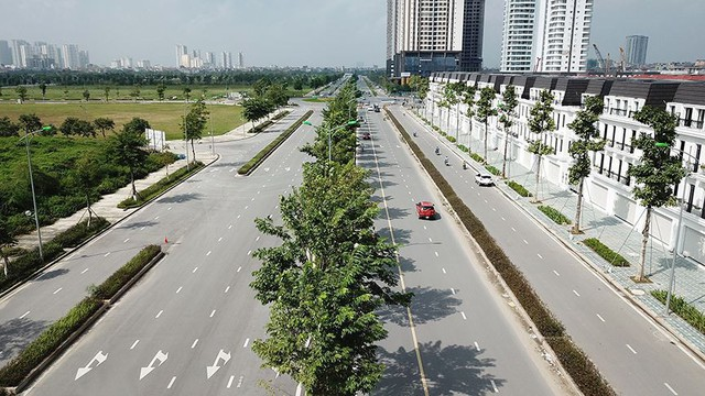 Mãn nhãn với con đường có 10 làn chuẩn bị thông xe ở Hà Nội   - Ảnh 4.