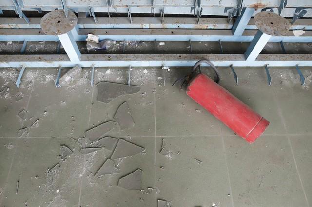 Cảnh hoang phế bên trong sân vận động Chi Lăng sau 8 năm được gả cho Phạm Công Danh - Ảnh 4.