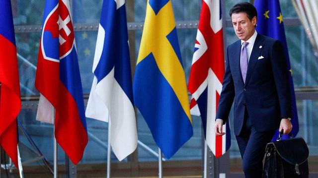 Loạt bất lợi bủa vây kinh tế châu Âu - Ảnh 4.