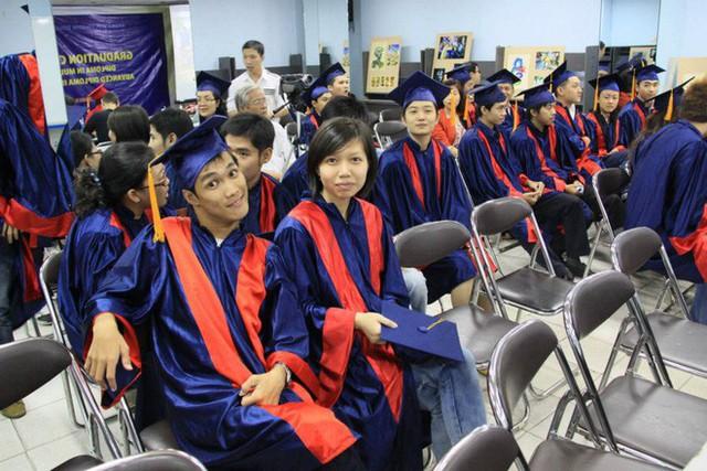 Chàng nhiếp ảnh bại não ở Sài Gòn từng bị trường cấp 2 từ chối: Nhiều người hỏi mình đi học làm gì, lớn lên ai mà mướn? - Ảnh 5.
