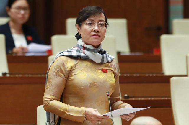 Đại biểu Lưu Bình Nhưỡng và Nguyễn Thị Quyết Tâm tranh luận về nhà hát 1.500 tỷ tại Thủ Thiêm - Ảnh 2.