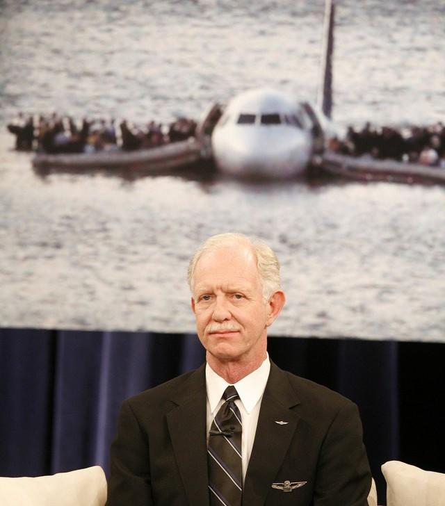 Thế kỷ 21 đã chứng kiến 3 chuyến bay màu nhiệm: Rơi thẳng xuống biển và tỉ lệ sống sót gần 100% - Ảnh 2.