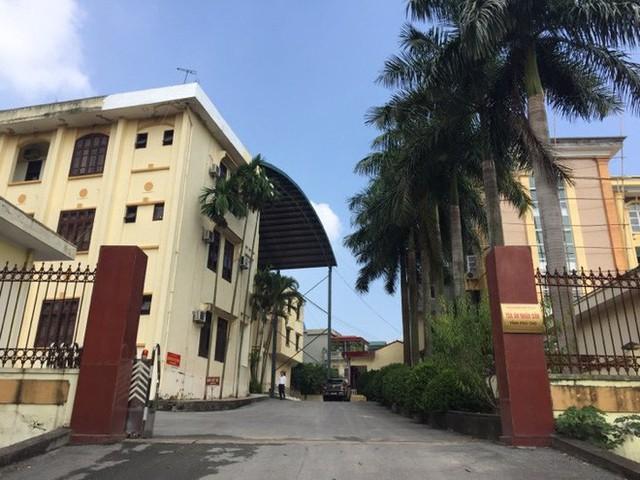 Sân tòa 1.000m2 dùng làm nơi xét xử cựu Trung tướng Phan Văn Vĩnh - Ảnh 1.