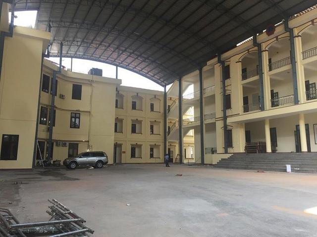 Sân tòa 1.000m2 dùng làm nơi xét xử cựu Trung tướng Phan Văn Vĩnh - Ảnh 2.