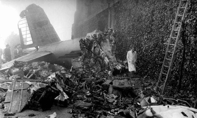 10 thảm họa hàng không thương tâm nhất lịch sử bóng đá thế giới - Ảnh 1.