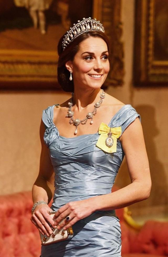 Người hâm mộ xôn xao trước thông tin Thái tử Charles từ bỏ địa vị, Kate sẽ lên ngôi hoàng hậu - Ảnh 2.