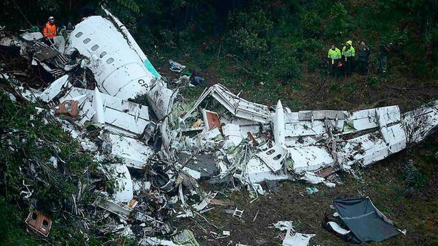 10 thảm họa hàng không thương tâm nhất lịch sử bóng đá thế giới - Ảnh 11.