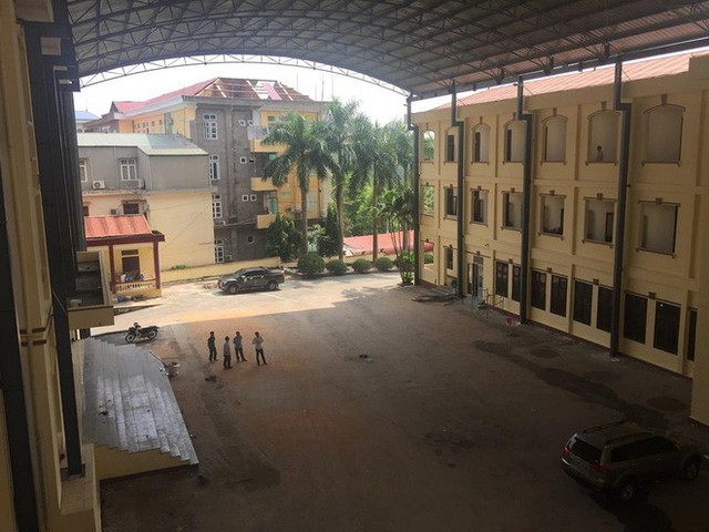 Sân tòa 1.000m2 dùng làm nơi xét xử cựu Trung tướng Phan Văn Vĩnh - Ảnh 4.