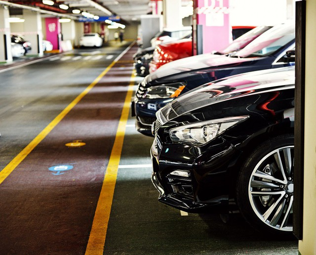 """Chỗ đậu xe ở các cao ốc trọng điểm: Hàng """"độc"""" càng ngày càng khan hiếm, nhà giàu """"khóc thét"""" - Ảnh 2."""