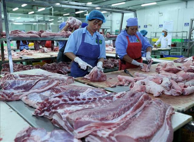 Thị trường cuối năm không lo thiếu thịt lợn  - Ảnh 1.