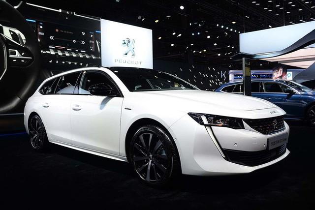 Truyền thông Anh: Chúng tôi xếp VinFast ngang BMW, Audi, Ferrari... trong danh sách mẫu xe hấp dẫn nhất Paris Motor Show - Ảnh 6.