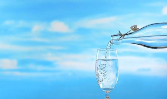 Nước chứa ion kiềm có thực sự thần thánh đến mức chữa được bệnh hiểm nghèo? Hãy nghe các chuyên gia lý giải vì sao bạn đừng lãng phí thời gian và tiền bạc - Ảnh 2.