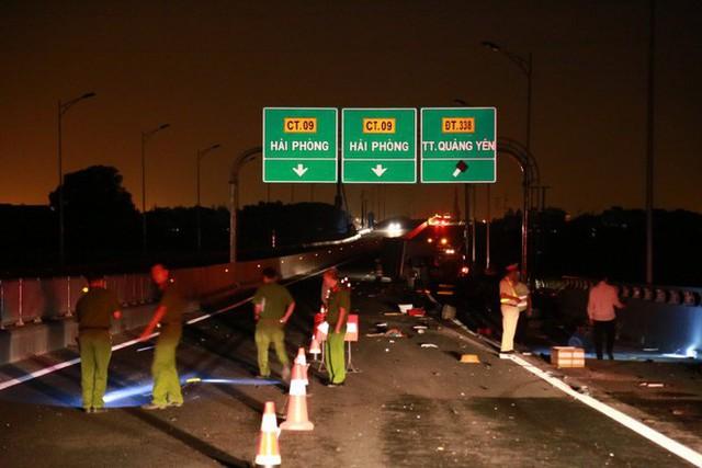 Tai nạn kinh hoàng trên cao tốc Hải Phòng - Quảng Ninh, 2 người tử vong - Ảnh 2.