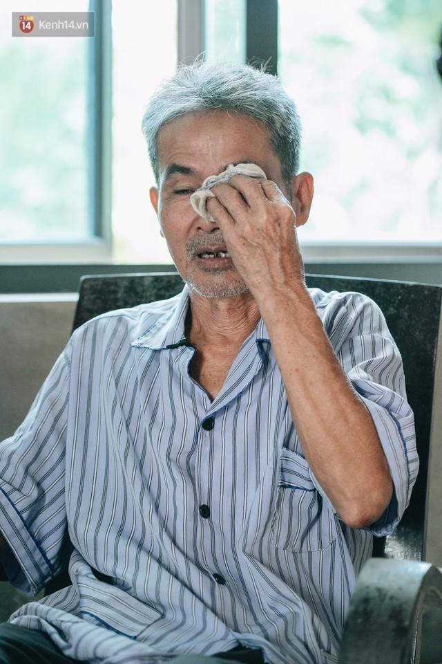 Cuộc sống của 2 đứa trẻ mất bố mẹ sau vụ cháy lớn ở Đê La Thành: Con chỉ biết pha sữa chứ không dám bế em, sợ em ngã - Ảnh 12.