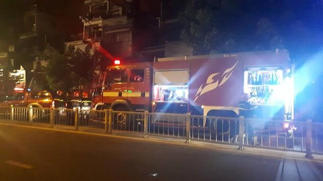 Quán bar ở TP HCM bốc cháy dữ dội lúc rạng sáng  - Ảnh 10.