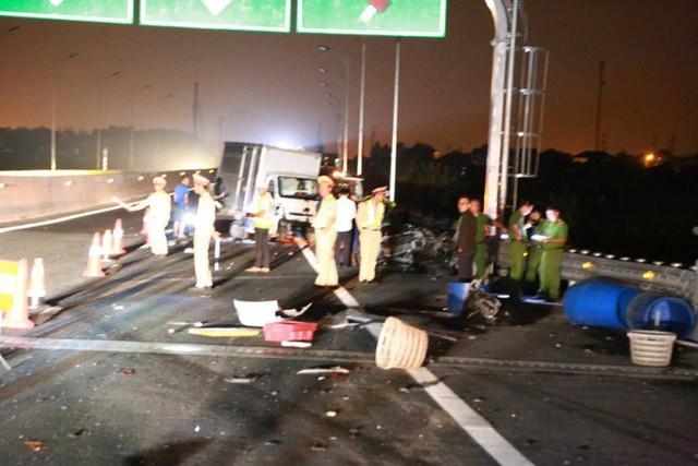 Tai nạn kinh hoàng trên cao tốc Hải Phòng - Quảng Ninh, 2 người tử vong - Ảnh 10.