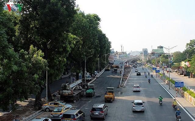Toàn cảnh cầu vượt hơn 300 tỷ đồng ở Hà Nội sắp khánh thành - Ảnh 1.