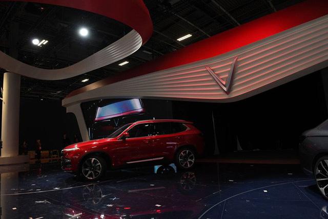Vinfast - Paris Motor Show Khi VinFast đang nổi đình nổi đám, Vinaxuki - thương hiệu xe hơi đầu tiên của VN ở đâu? - Ảnh 2.