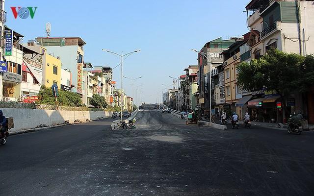 Toàn cảnh cầu vượt hơn 300 tỷ đồng ở Hà Nội sắp khánh thành - Ảnh 12.