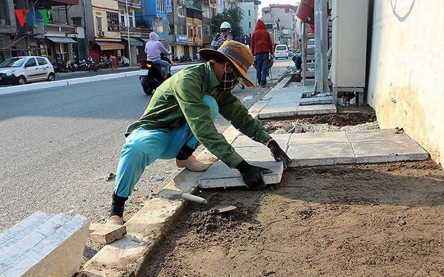 Toàn cảnh cầu vượt hơn 300 tỷ đồng ở Hà Nội sắp khánh thành - Ảnh 14.